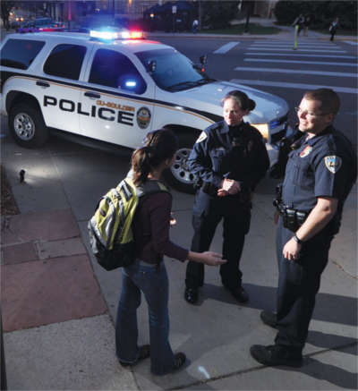 Student talking to CU police